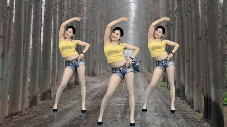 点击观看《轻松减肥舞好学简单 青青世界每天5分钟瘦掉小肚腩》