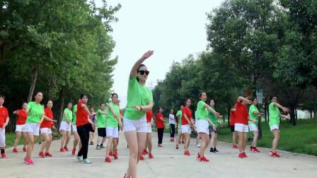 青青世界鬼步舞视频 简单广场风格广场舞