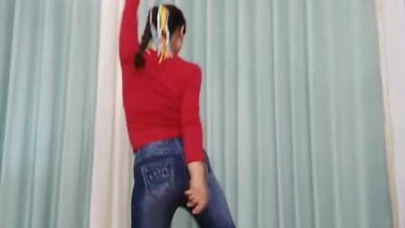 点击观看《初学无基础摆胯舞谁 任如意如意舞》