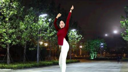 点击观看《青青世界现代舞视频2020幸福来敲门 元旦摇胯舞》