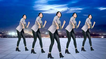 点击观看《网红64步自由舞《DJ追梦人》 青青世界广场舞》