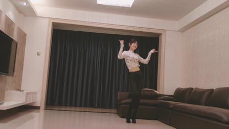 一首网络流行歌曲《爱情堡垒》 小君广场舞