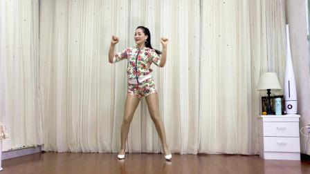 青青世界广场舞《阿里阿里》年轻辣妈健身舞教程分解