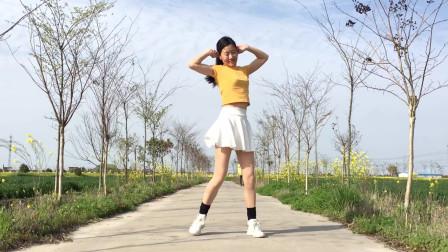 艾And幼广场舞《少年》简单网红健身舞