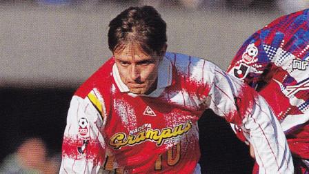 中超富力前主帅斯托伊科维奇职业生涯进球集锦,过门将带球入空门如儿戏,太厉害了!