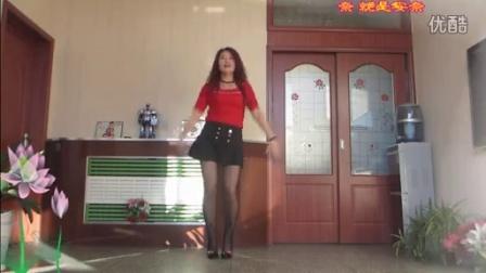 点击观看《金芙蓉广场舞《练武功》 编舞:风中天使》