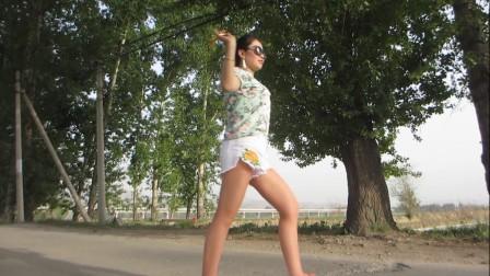 金芙蓉广场舞 外景拐杖舞 太美 一直都在看