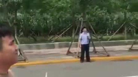 太牛了,无人机远程处理交通事故……