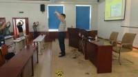 安全培训讲师成炳国课间带领学员做保健操