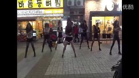 实拍韩国街头女中学生丝袜群舞part3.这么疯么
