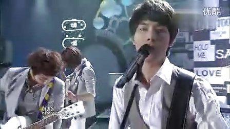 100522音乐中心CNBLUE郑容和掉戒指事件