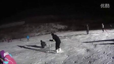 三人行13年第一次夜场滑雪-世际园12.21