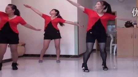 三人广场舞