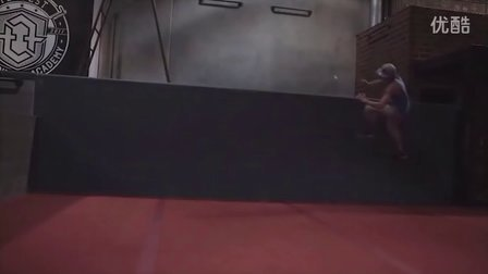 【中文字幕】飞檐走壁,杰西的Wall run教程_parkour_跑酷