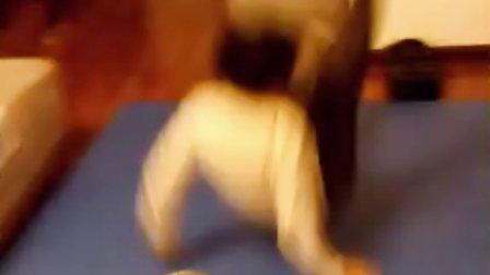 7岁一个月 康辉前扑 后倒 看完心痛 感动 坚强 不是所有人都可以(哥不是传说 不要迷恋哥)