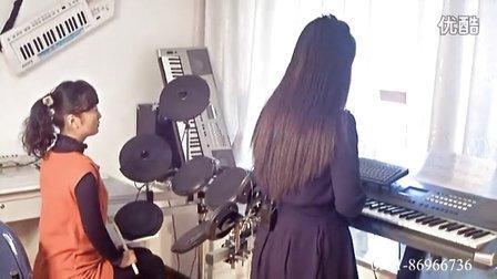 手风琴伴奏式双排三排键电子琴电子鼓部队教学4说句心里话