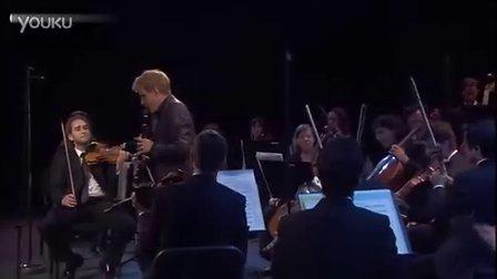 马丁·弗洛斯特演奏并指挥莫扎特《单簧管协奏曲》