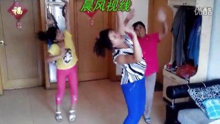 三代同堂版----【小苹果】舞蹈--火爆全城
