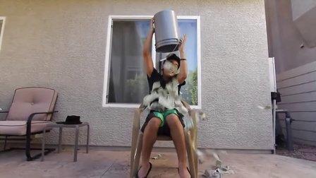 【胆小误入】美国冰桶挑战出人命了,被冰块砸死第一人