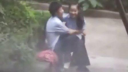 大学生情侣公园野战偷拍