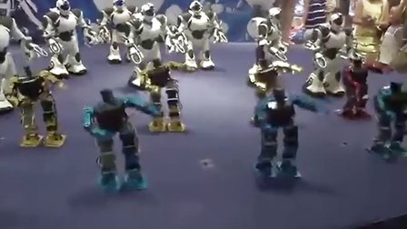 """汇悦新天地""""智能机器人欢乐总动员""""--博乐机器人表演[www.boole-tech.com]"""