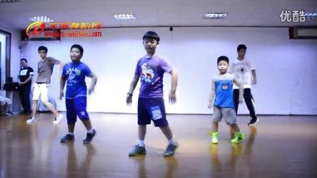 深圳舞蹈网儿童机械舞 深圳少儿街舞培训班课间实录