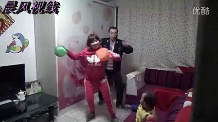情景版:【小苹果】舞蹈引爆--嘟蕾蕾舞蹈--火爆网络--搞笑7点半