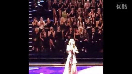 大长腿泰勒 斯威夫特 继续在维多利亚的秘密时装秀2014献出美妙歌声