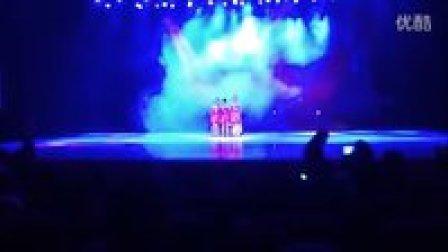 《舞动奇迹》:于都县金话筒艺术培训中心拉丁舞学员在县元旦晚会的精彩表现