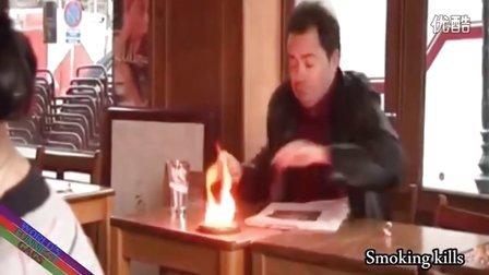 【粉红豹】吓死了!本来想把烟灭掉,结果让火烧的更大了~!