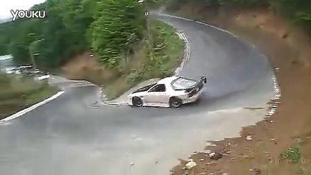 超给力的山路下坡发卡弯漂移