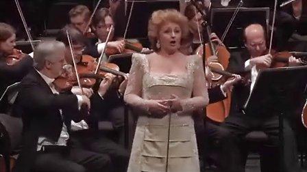 格鲁贝洛娃Edita Gruberova演唱Lucia的疯狂场景从1979到2015!