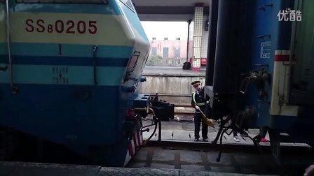 [拍火车]SS8挂车及出站 [T146]南昌-北京25K长沙火车站