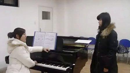 中老年学唱歌技巧 k歌速成宝典 已退休工人学唱歌视频教程 唱歌技巧与诀窍 名师教唱歌 唱歌软件 声乐