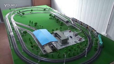 ND5-1内燃机车牵引5节C80敞车组成运煤货列在线运行