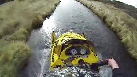 GoPro:雪地车在冰岛急流勇进