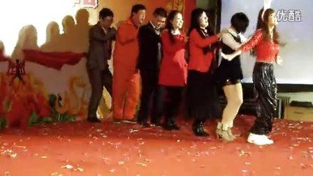 07《兔子舞》_俞进江拍摄2013年1月24日_第一钢市