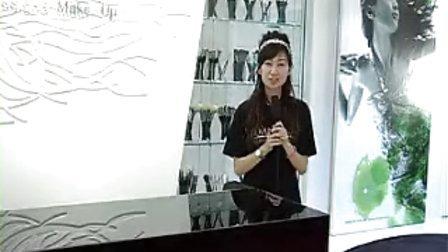 香港 Amy Gao 化妝學校學員 Valen-加拿大DJ學化妝,她說化漂亮的妝容非常重要