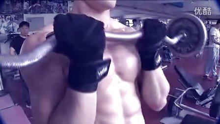 肌肉男是怎么样炼成的--大学生刘家郡健身全纪录