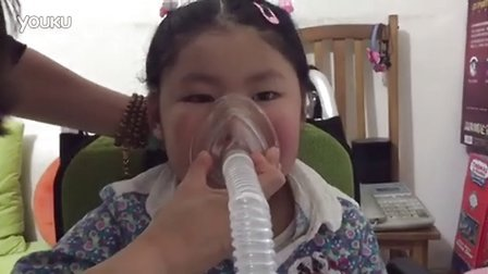SMA患儿使用咳痰机排痰2