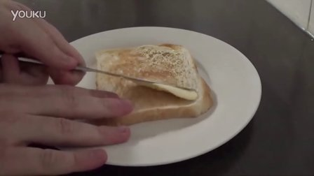 如何做一个完美的黄油吐司