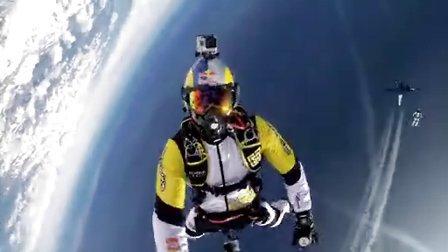 GoPro:Soul Flyers 勃朗峰 33000 英尺高空飞行