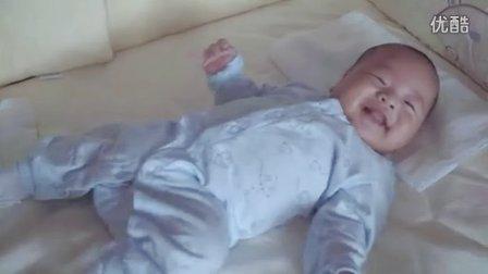 世界年龄最小的拳击粉丝 宝宝界微胖新星微笑登场