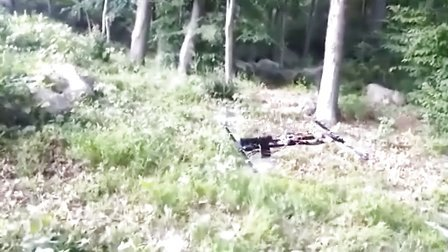 獵奇新闻  会飞的手枪:自制无人攻击机