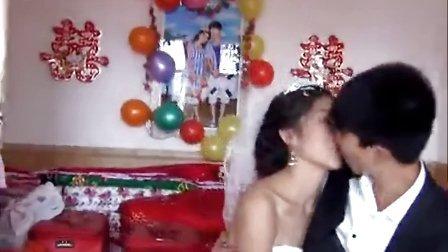 陕西农村结婚风俗-漂亮妹子结婚扛不住陕北风俗的犀利闹洞房