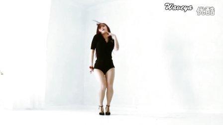 Waveya 黑丝透明诱惑 背红面墙超性感热舞