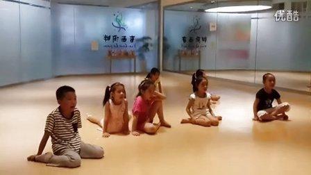 上海百小汇儿童音乐剧夏令营发声练习