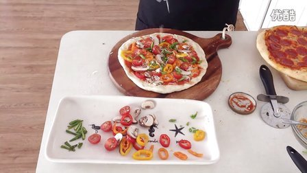 披萨制作全过程(下集) - 意大利香肠/田园时蔬/鲜虾笋尖披萨