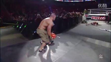 """WWE19大""""蛋疼""""时刻 德-里奥高梯坠落两腿卡在绳索间"""
