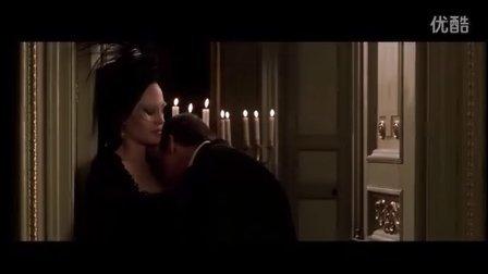 电影《原罪》女神安吉丽娜·朱莉大尺度床吻戏